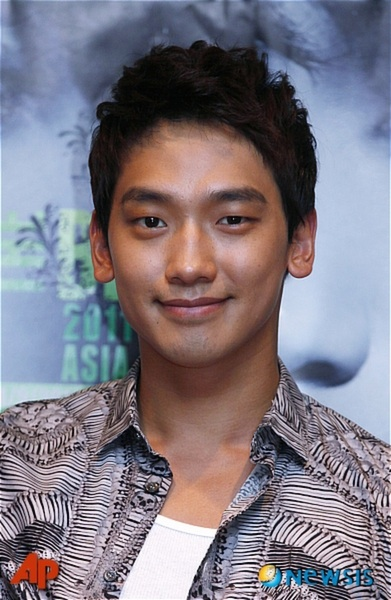 RAIN @ conference de press a macao !!  29809411