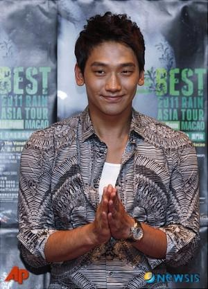 RAIN @ conference de press a macao !!  29809412