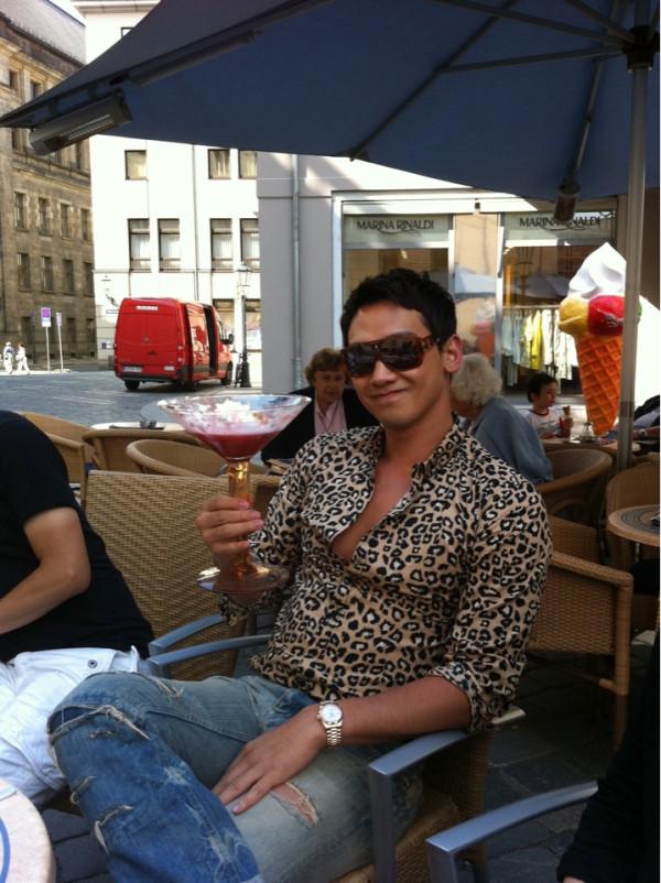 RAIN partage des photos de lui en allemagne sur son tweeter !!  30311111