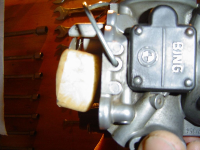 [R80/7] 89 Fuite essence carburateur gauche Niveau14