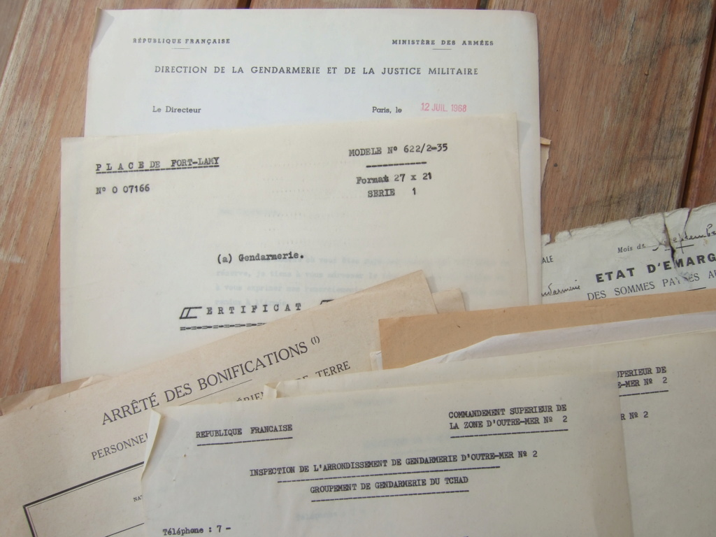 Tres beau lot papiers OFF Armee de l'air avant 40 et Gendarmerie 40 à 62 France,Afrique et autres -ALPINS-OCT1 ( Forte baisse ...) Dscf6067