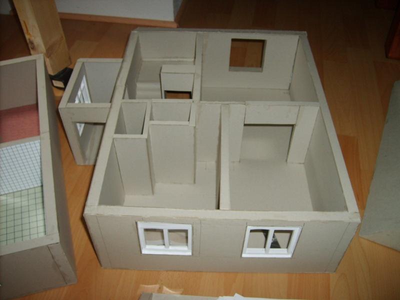 Unser Haus aus Karton Sd530932