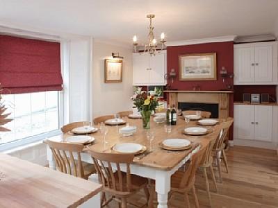 The Ponderosa Dining Room 94592_10