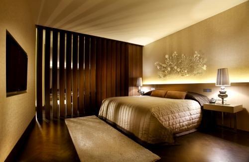 Niel Clement's Room at Ponderosa Naumi-10