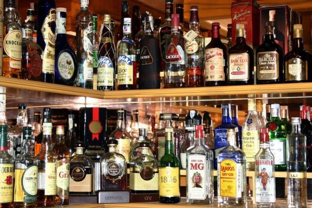 Betsy's Liquor Cabinet S8106_10