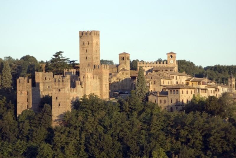 """Pranzo nei colli della val d'Arda con """"Pacato Sgummamento"""" sulla """"Vernasca"""" 21/05/2011 Castel10"""