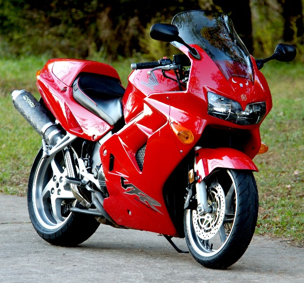Show us your biking history in pics Vfr80010