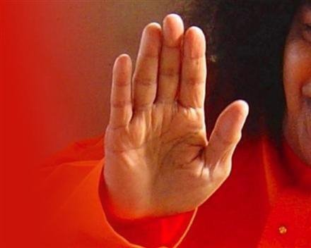 Sri Sathya Sai Baba (1926-2011) - Hands of a Guru 21771411