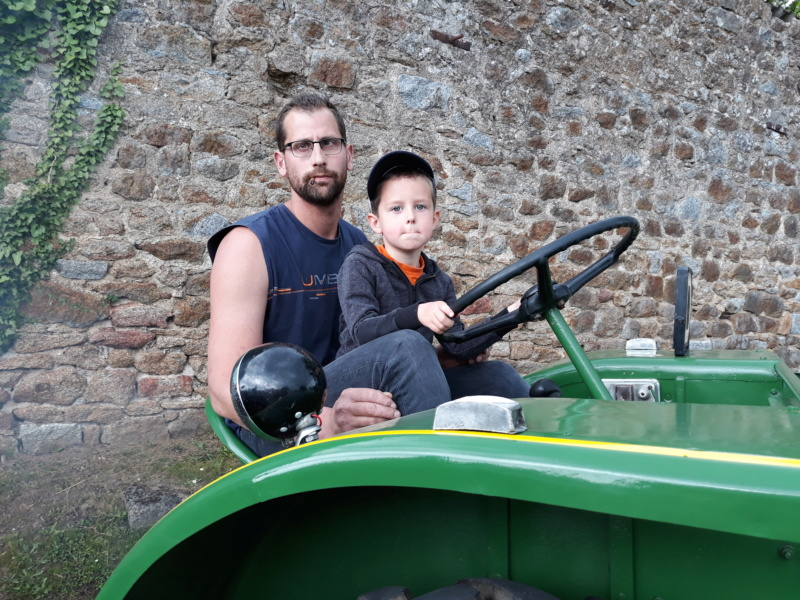 350 photos de vieux tracteurs - Page 2 20190613