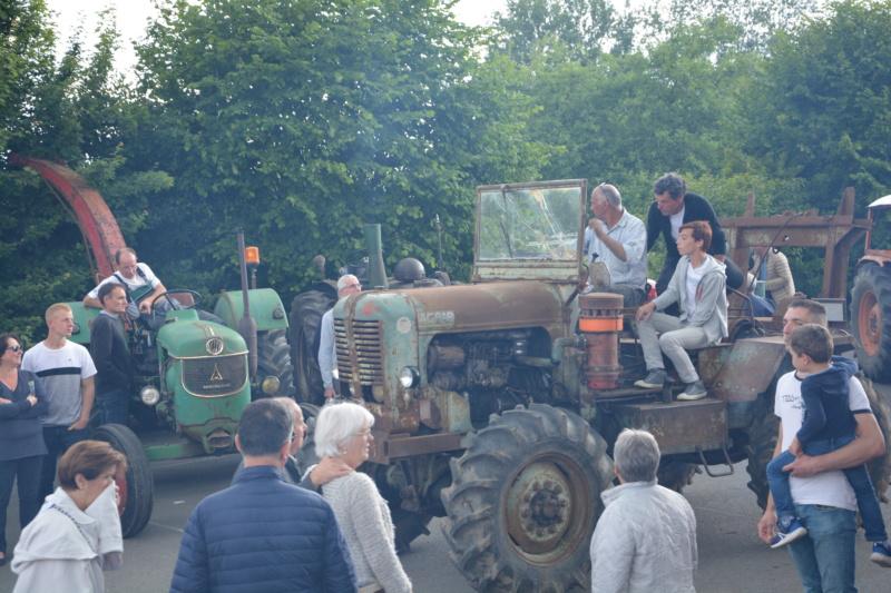 350 photos de vieux tracteurs - Page 2 Dsc_0829