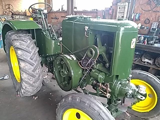 350 photos de vieux tracteurs - Page 2 Thumb109