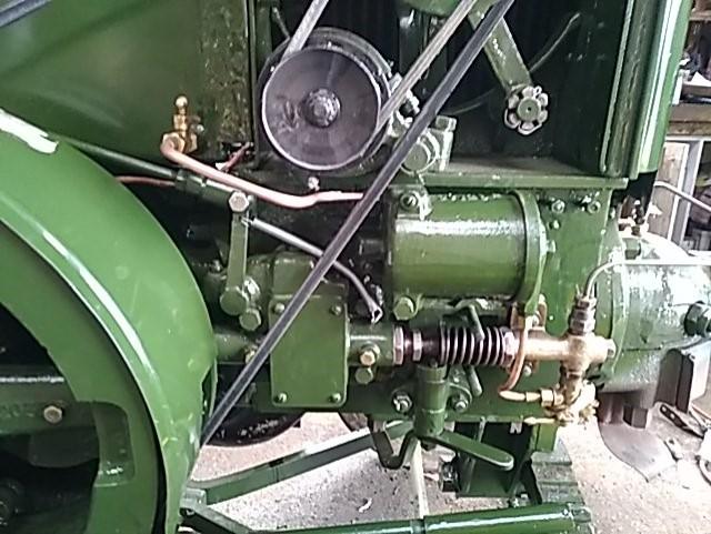 350 photos de vieux tracteurs - Page 2 Thumb111