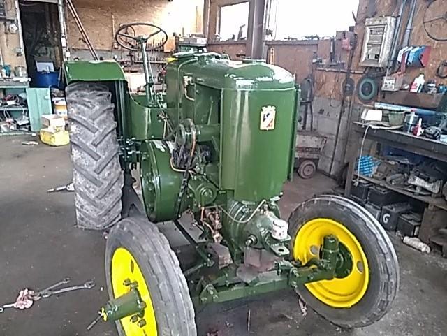 350 photos de vieux tracteurs - Page 2 Thumb112