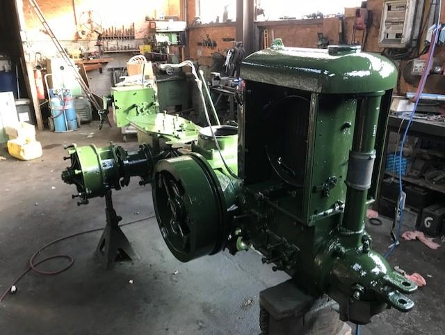 350 photos de vieux tracteurs - Page 2 Thumbn92