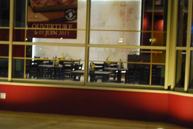 [Disney Village] Construction d'un restaurant Earl of Sandwich - Page 25 Dsc_0019