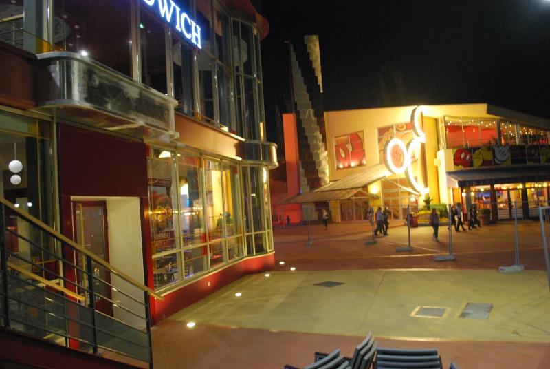 [Disney Village] Construction d'un restaurant Earl of Sandwich - Page 25 Dsc_0023