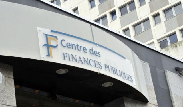 Droit, Finances Centre10