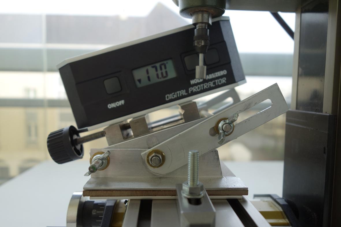 fixation des pièces avec la MF70 0211