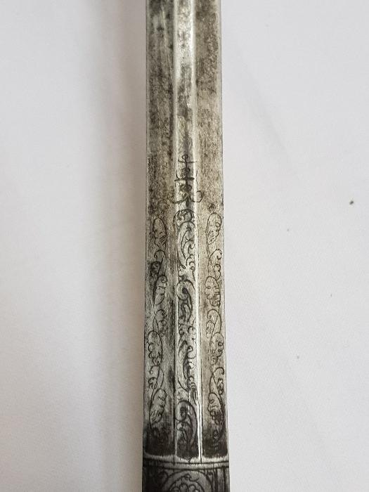 Vieille épée. 610