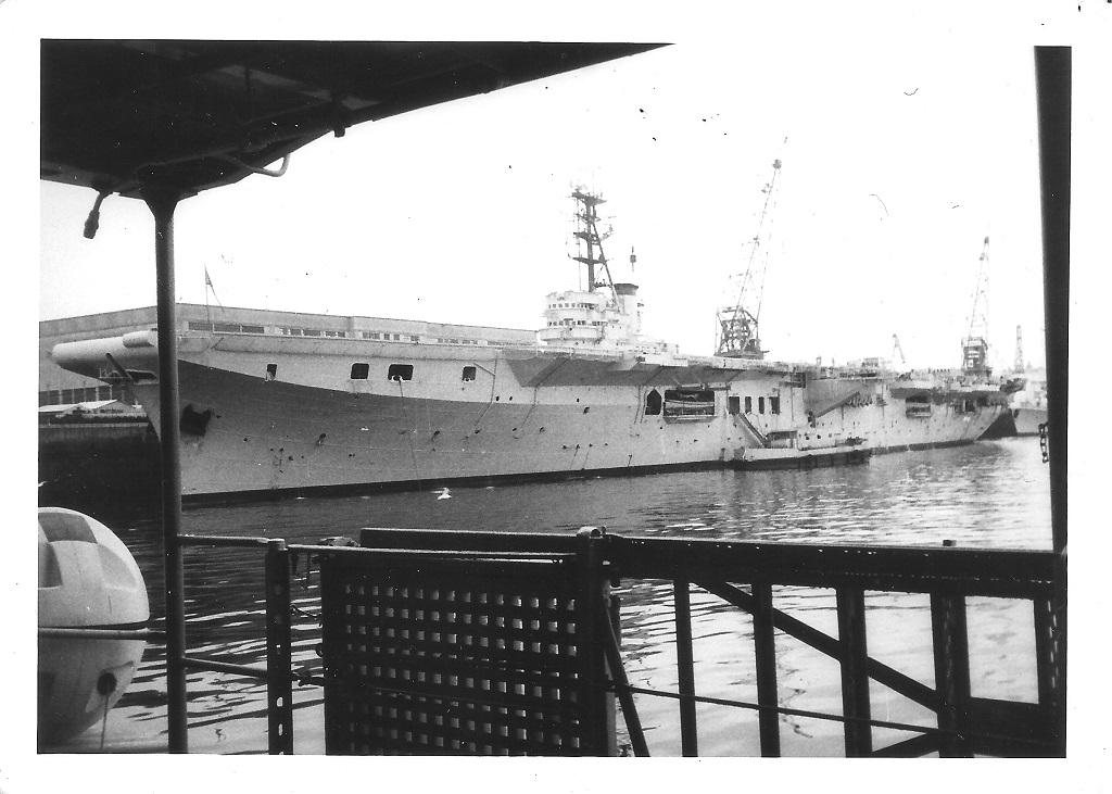 [Les ports militaires de métropole] Port de BREST - TOME 2 - Page 37 L_arro11