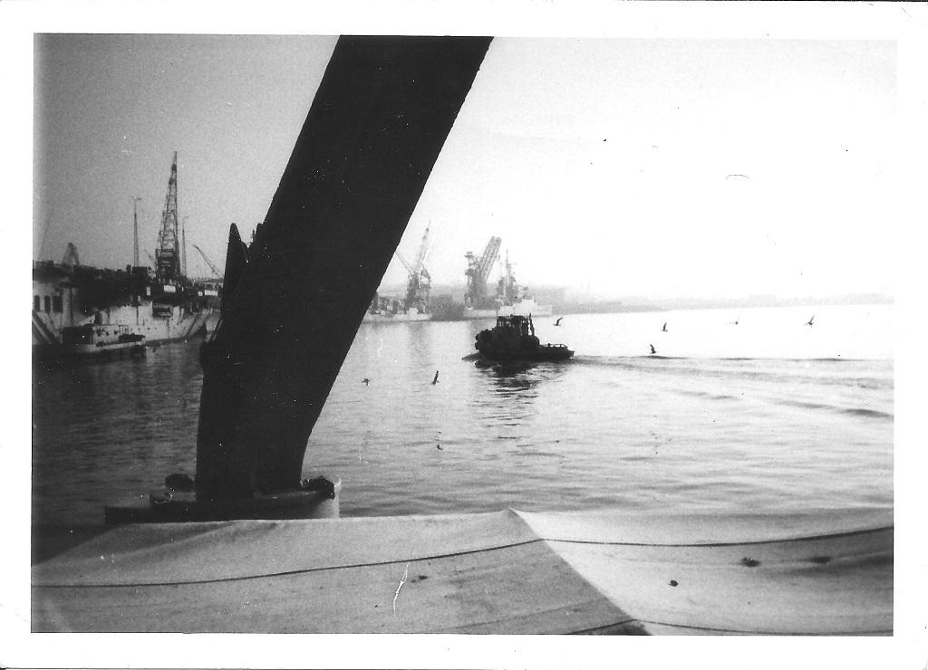 [Les ports militaires de métropole] Port de BREST - TOME 2 - Page 37 Le_por10