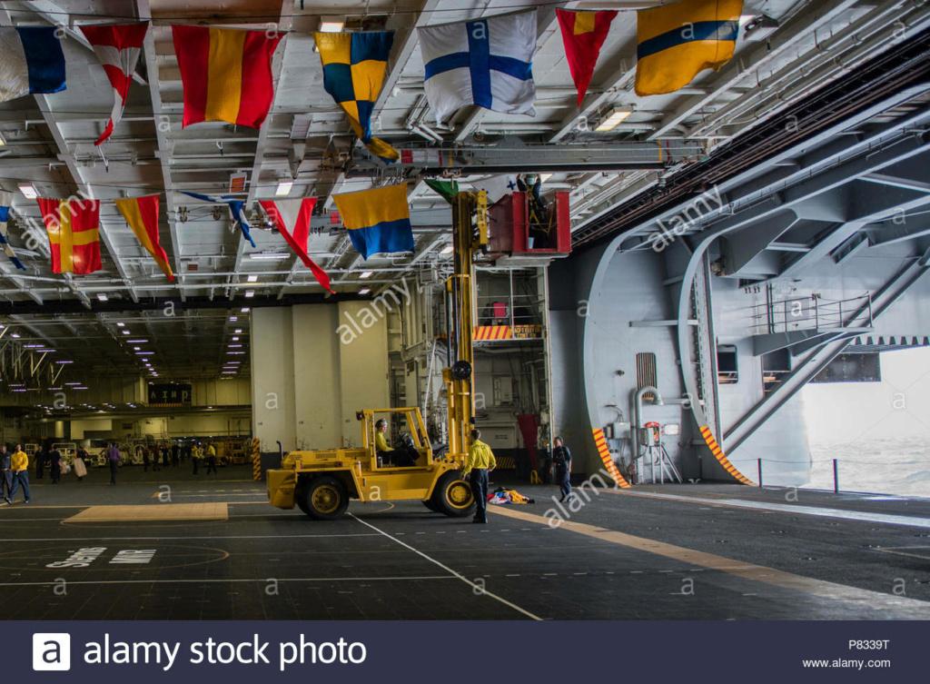 USS Nimitz CVN68 (Trumpeter 1/350°) par Antho - Page 8 Ocean-10