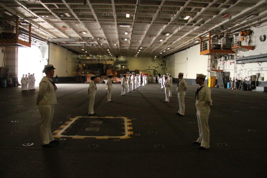 USS Nimitz CVN68 (Trumpeter 1/350°) par Antho - Page 8 Uss_ni10