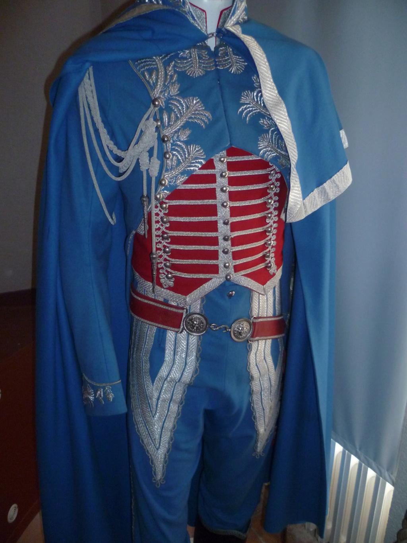Bel uniforme mais curieux sabre !!! 06510