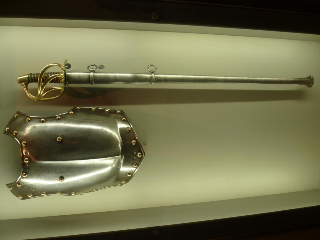 Quand était le fourreau modèle 1816 pour sabre cuirassier an XIII introduit? 18510
