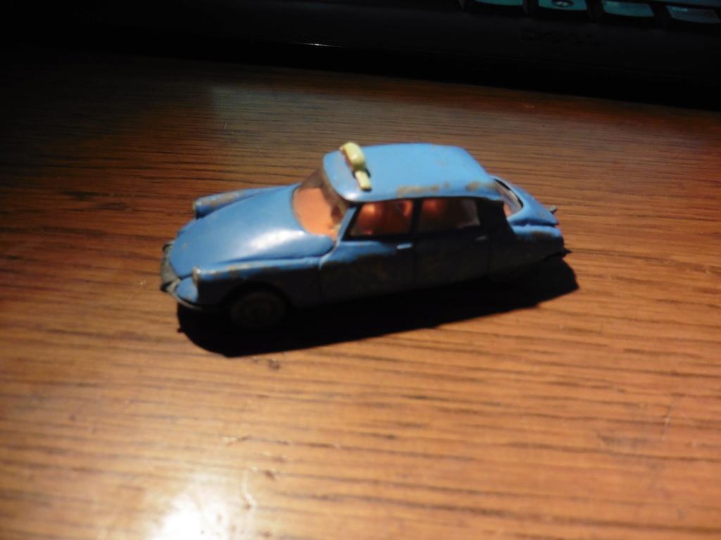 N°13 Citroën DS 21 - Page 4 P1010713