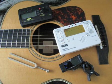 """Guitare Furch - """"Vintage 2""""  OM-SR - Slotted - Page 4 Korg11"""