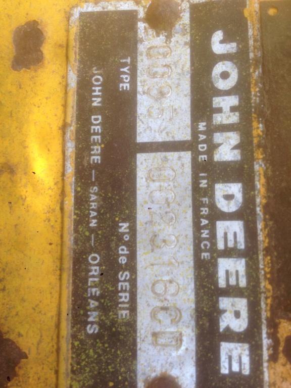 John Deere 2130 dans un sale état 4d3a7a10