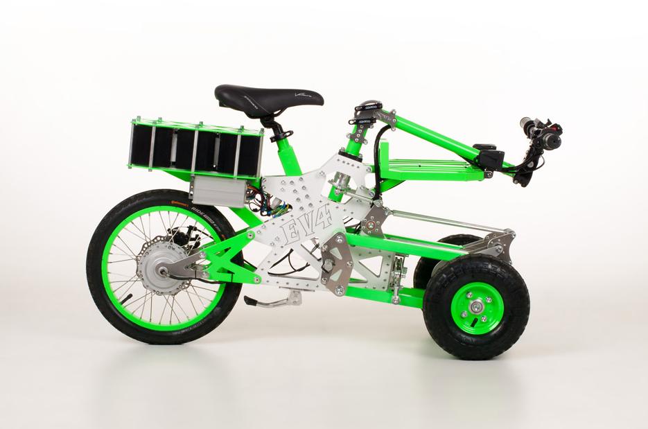 Dites bonjour au Gremlin, le tricycle électrique qu'on monte en famille ! (vidéo sur Bidfoly.com) Par Hilaire Picault Capt1341