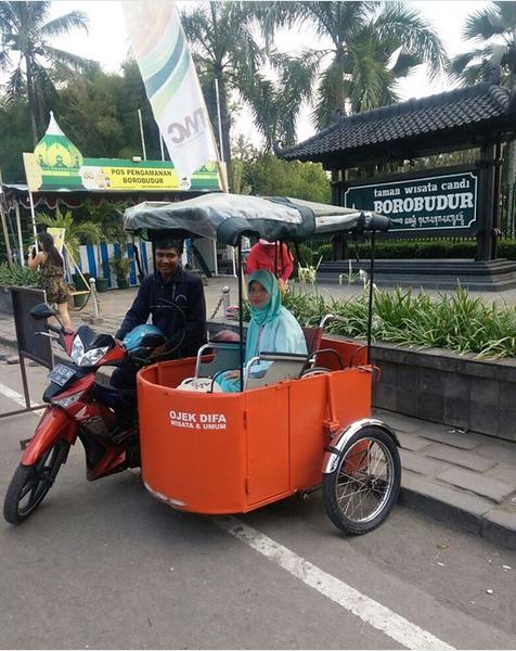 Un Indonésien crée des taxis side-car pour handicapés ! Par Amélie Drouet  Captu255
