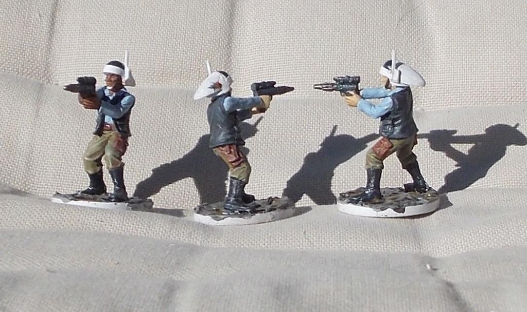 Figurines peintes divers jeux Dscn4014