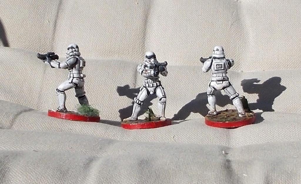 Figurines peintes divers jeux Dscn4015