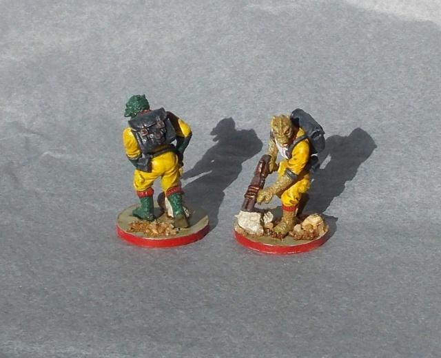 Figurines peintes divers jeux Dscn4024