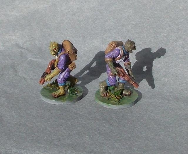 Figurines peintes divers jeux Dscn4025