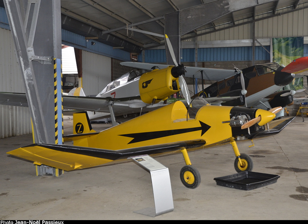 Construire un avion dans son garage - Page 3 Jodel_10