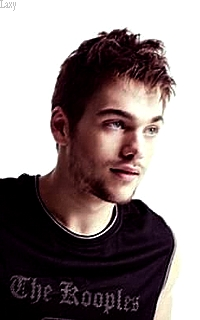 Dylan Sprayberry  - Page 4 Dydy610