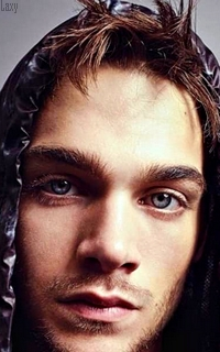 Dylan Sprayberry  - Page 4 Hqn110