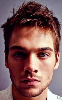 Dylan Sprayberry  - Page 4 Hqn310