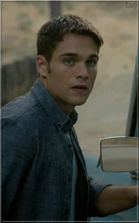 Dylan Sprayberry  - Page 4 Laaf10