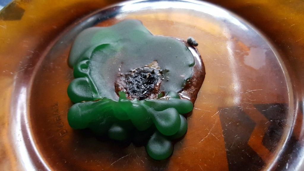 Simbologia en la cera de los restos de la vela a la Santa Muerte Dia_un13