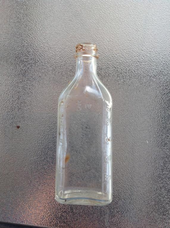 bouteille retrouvé en creusant. Image17