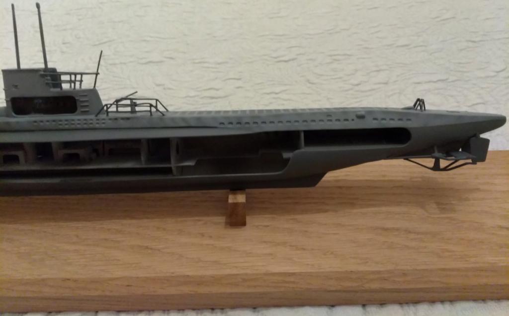 German U-Boot U-47 de Günther Prien avec intérieur  - Page 2 Captpu10