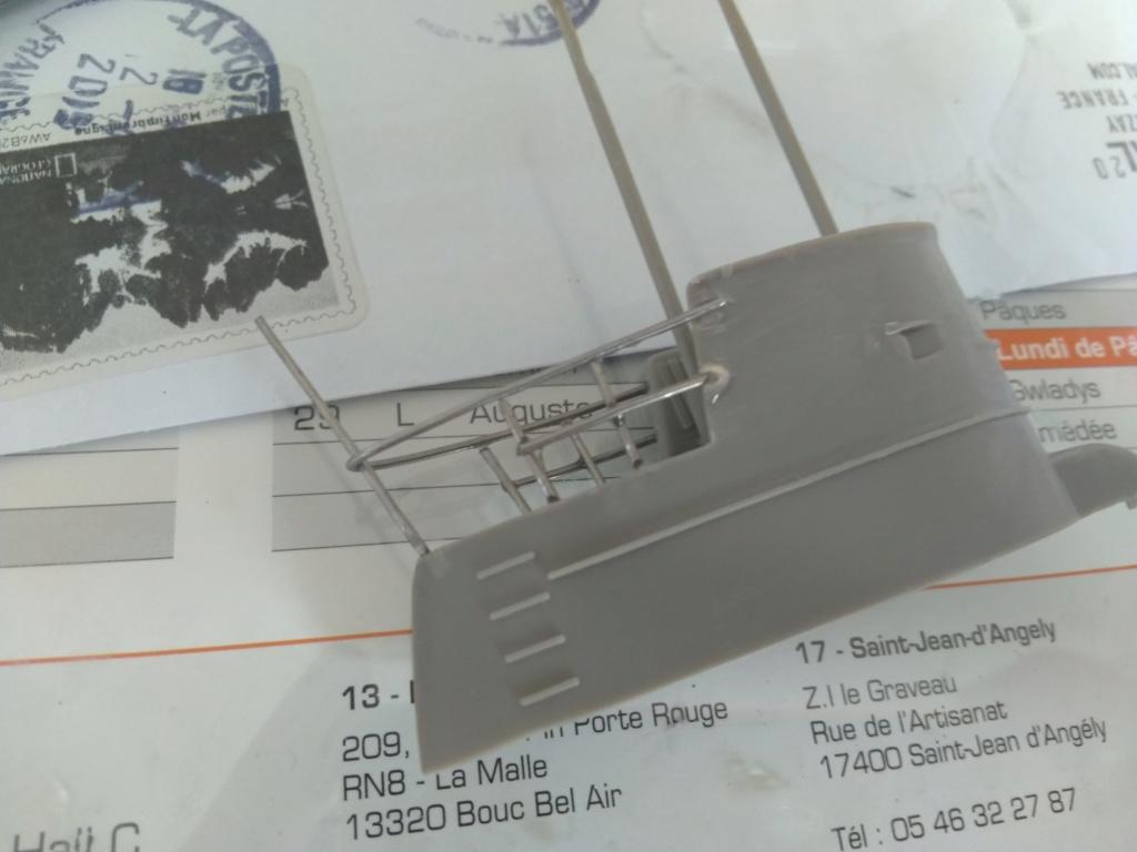 German U-Boot U-47 de Günther Prien avec intérieur  - Page 2 Img_2144