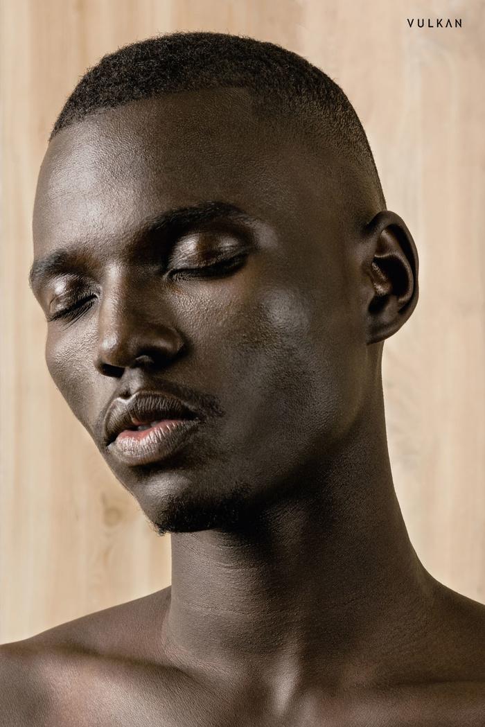 Son los Sursudaneses las personas con la piel más oscura del mundo? Vulkan10