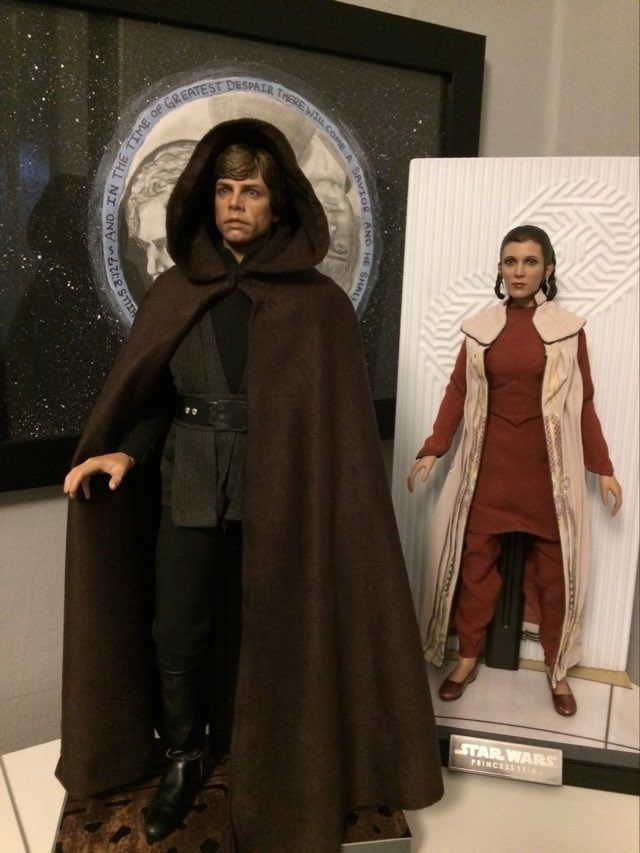 STAR WARS Hot Toys Princess Leia (Bespin) (updated with Part II: Kitbash Potential) 94253011