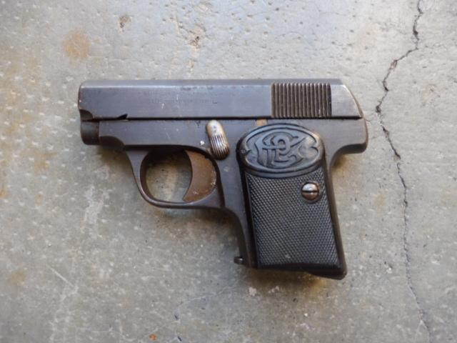 Quel est ce pistolet auto en 6,35 P1080510